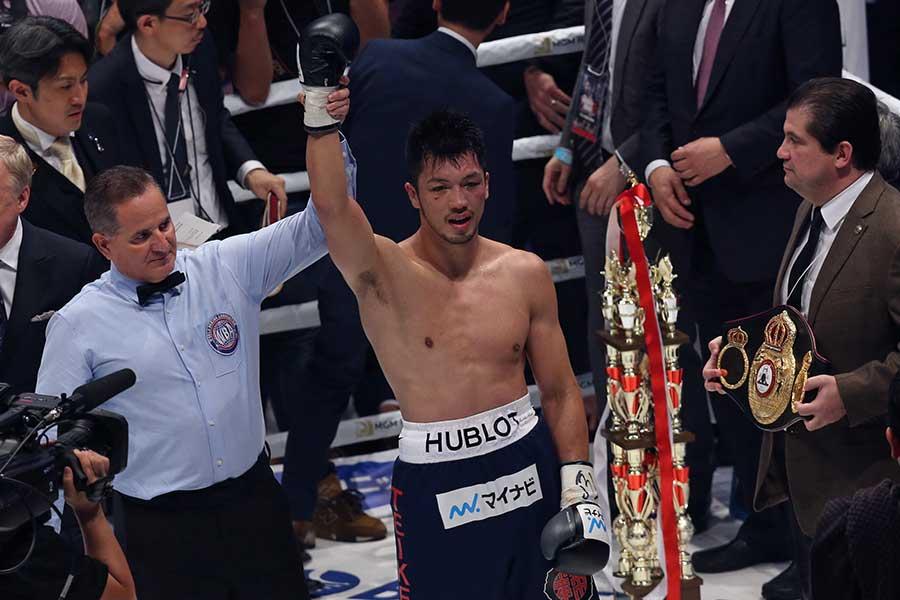 村田諒太がロブ・ブラントに2回TKO勝ち【写真:Getty Images】
