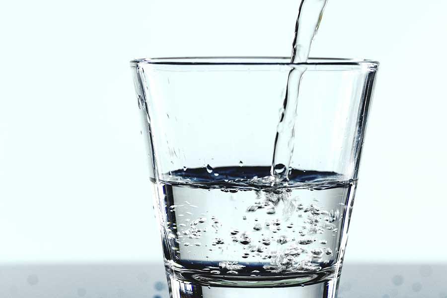 熱中症を防ぐために、効果的な水分補給とは