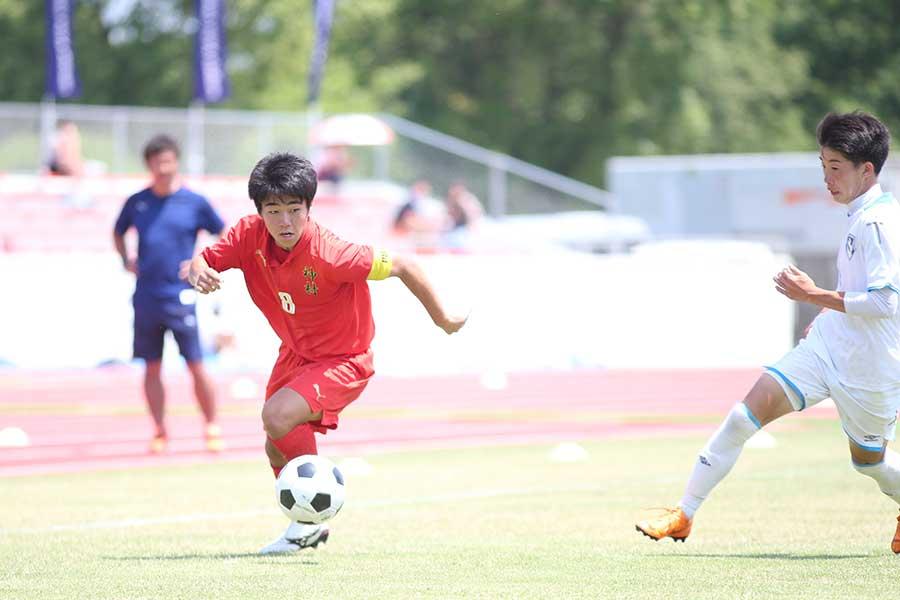 神村学園の「相手の逆を突く」魅惑の攻撃サッカーとは【写真:平野貴也】