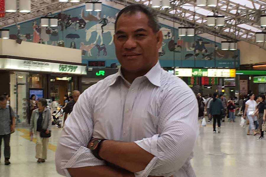 現在はパナソニックの営業マンとして活躍するラトゥ志南利氏【写真:吉田宏】