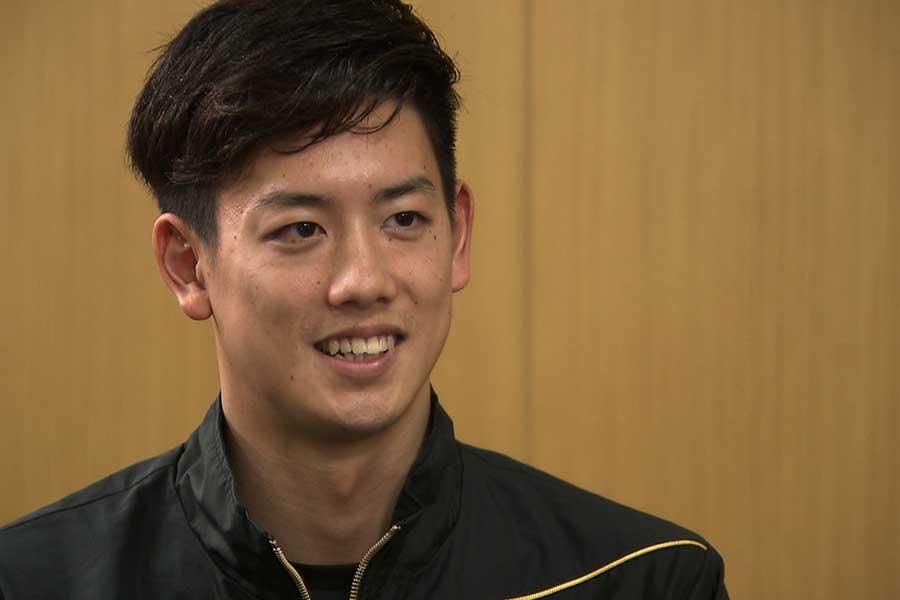 男子800メートルリレーに出場する高橋航太郎【写真:テレビ朝日】