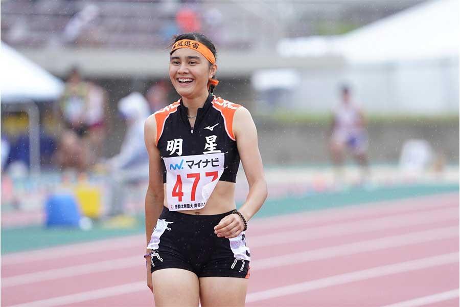 女子800メートルで優勝したヒリアー紗璃苗【写真:荒川祐史】