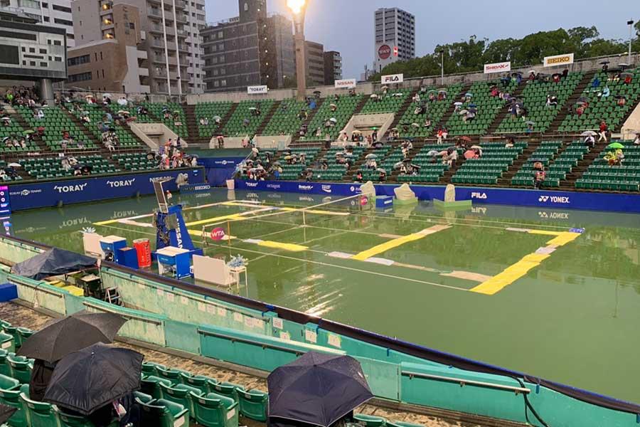 第3試合は雨天順延に【写真:浜田洋平】