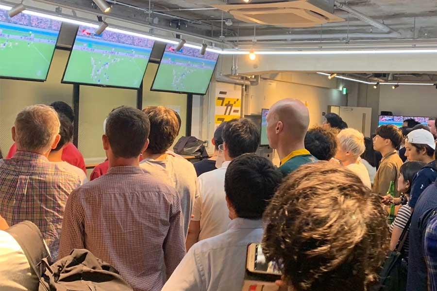 20日の日本―ロシア戦は約200人のラグビーファンが「DAZN CIRCLE」に集結、大きな賑わいを見せた【写真提供:DAZN】
