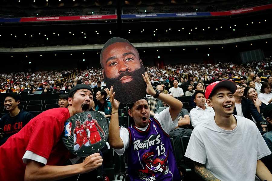 会場には大勢のファンが駆けつけた【写真:AP】