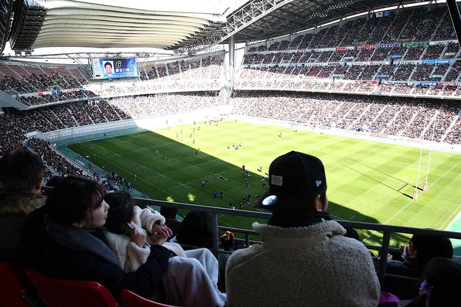 豊田スタジアムには3万7050人の観衆が集まった【写真:小倉元司】