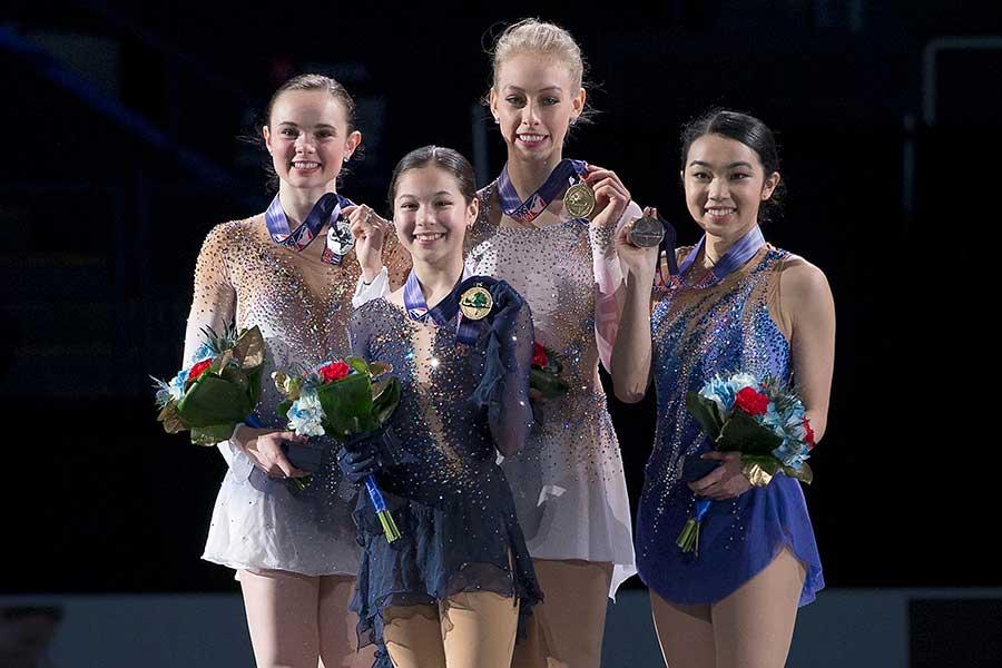 アリサ・リウ(左から2番目)【写真:AP】