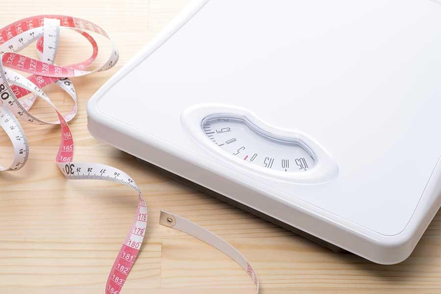 体重や体脂肪率は分かりやすい目標である一方、ネガティブに働く要素にもなる