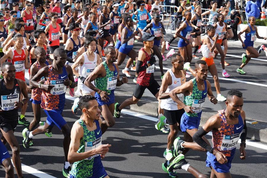海外メディアが見た東京マラソンとは【写真:荒川祐史】