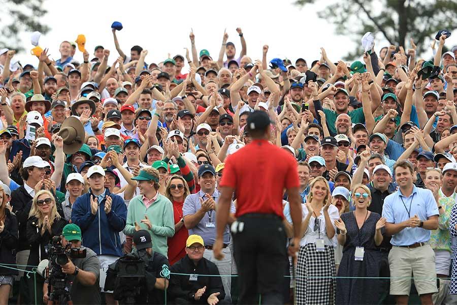 開催時期は未定であるものの、例年マスターズの会場には多くの観衆が駆け付ける【写真:Getty Images】