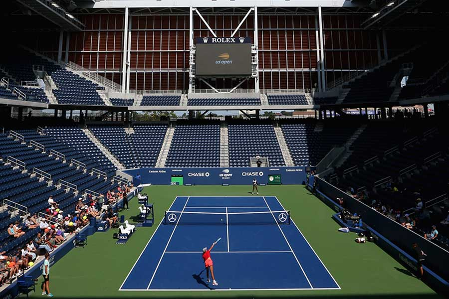 全米オープンが行われるアームストロング・スタジアムに物資の入った大量の段ボールが届き、感動を呼んでいる【写真:Getty Images】