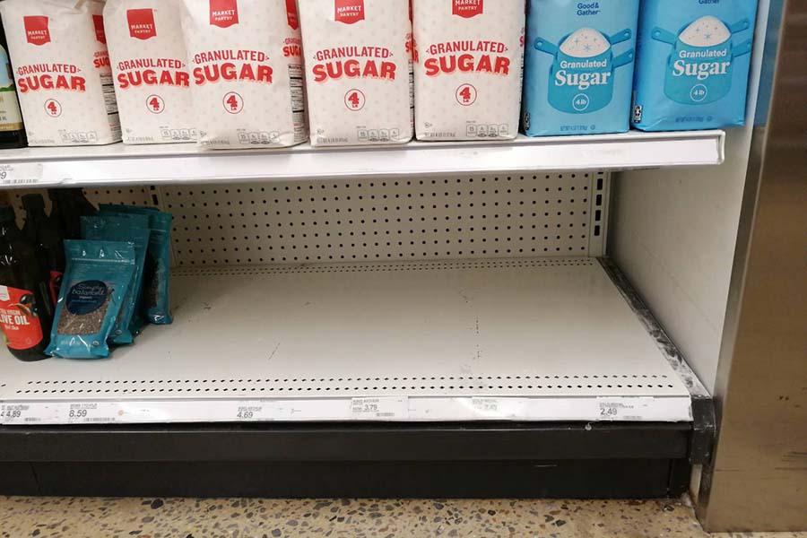 首都ワシントンのスーパーでは、小麦粉の棚が空に【写真:土屋一平】