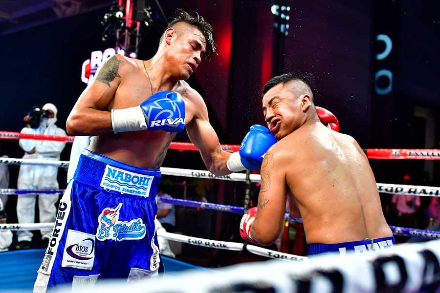 エマヌエル・ナバレッテが6回TKO勝ち【写真:Getty Images】