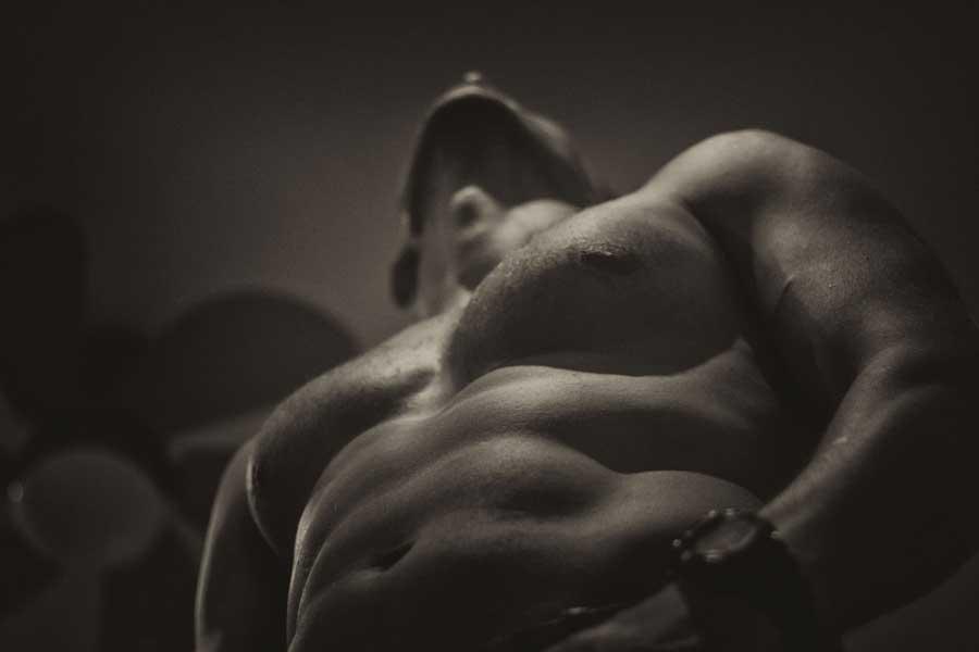 効率的に筋肉を大きくするためにはどんなプロテインを選べばよいのか?