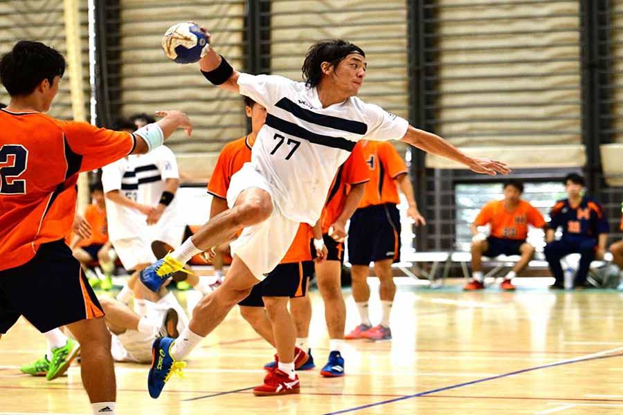 38歳で再入学した日体大でプレーしている宮崎大輔【写真:ベンヌ提供】