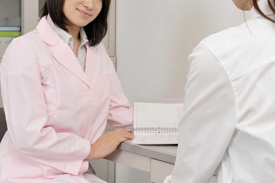 10代女性アスリートの疲労骨折の割合は、正常月経群と無月経群で大きな差が見られる