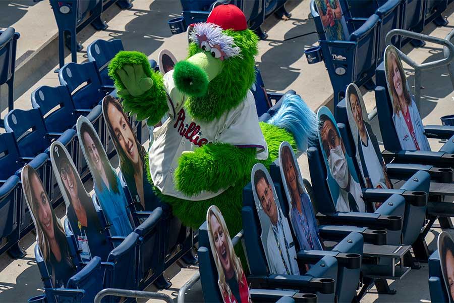フィリーズの球団マスコットのファナティック【写真:AP】