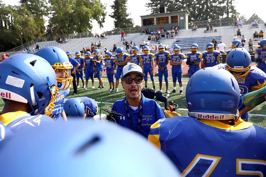 公立中学・高校でも、アメフト部HCの指導者報酬が一番高い理由とは【写真:Getty Images】