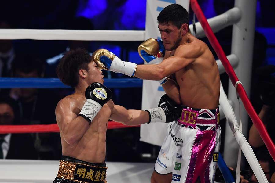 2018年5月25日、井上尚弥(左)に敗れたジェイミー・マクドネル【写真:Getty Images】