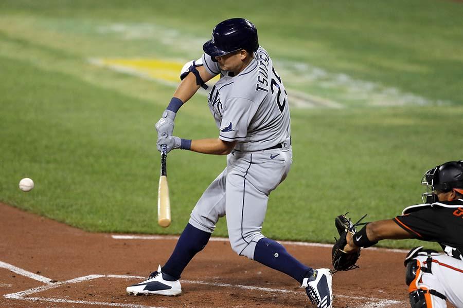 初回に先制の適時二塁打を放った筒香嘉智【写真:AP】