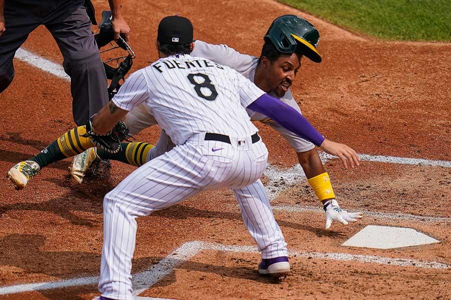 アスレチックスのトニー・ケンプの走塁が話題に【写真:AP】