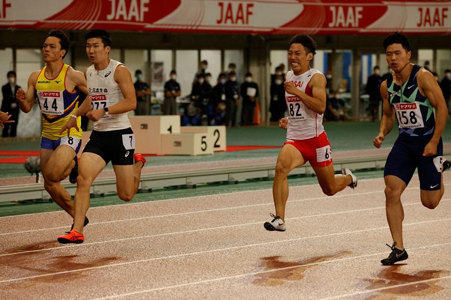10秒27で決勝進出を決めた桐生祥秀(左から2人目)【写真:奥井隆史】