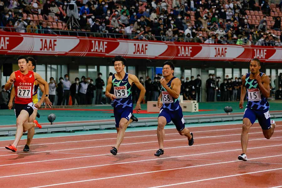 男子100メートル決勝で優勝した桐生祥秀、5位の多田修平、3位の小池祐貴、2位のケンブリッジ飛鳥(左から)【写真:奥井隆史】