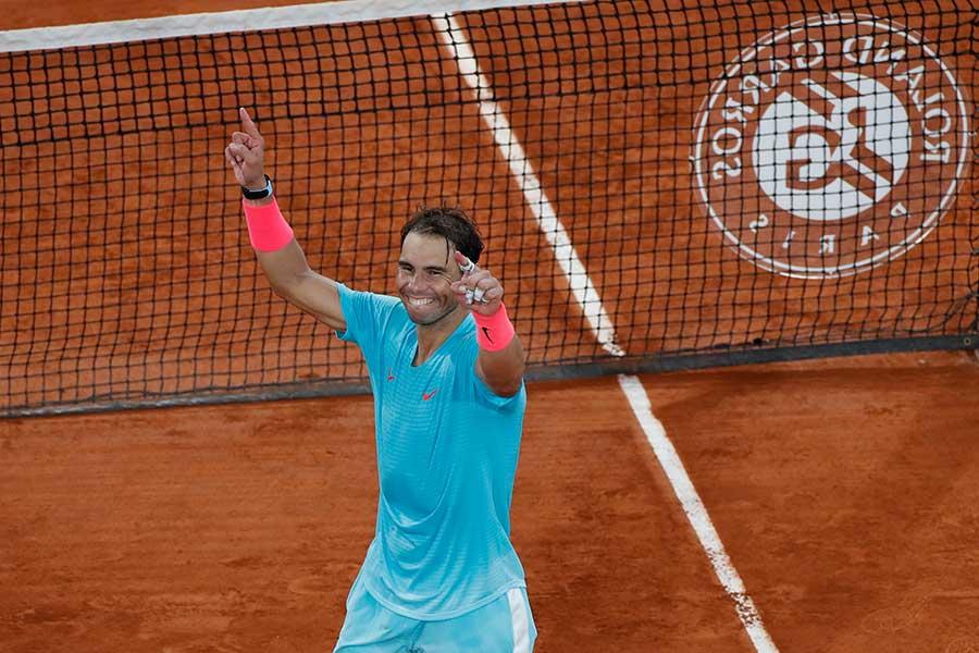 全仏オープンの男子シングルスで13度目の優勝を飾ったラファエル・ナダル【写真:AP】