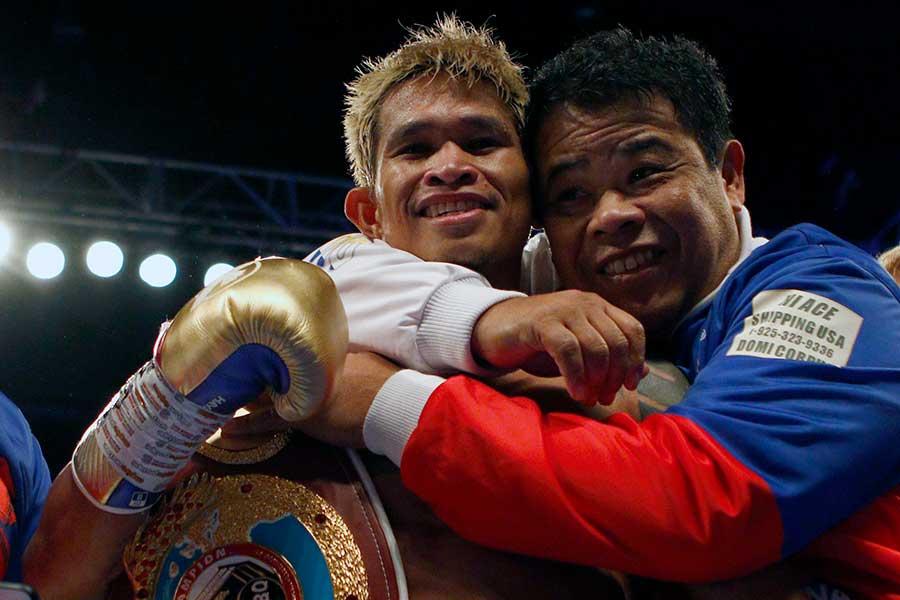 フィリピンに帰国したジョンリエル・カシメロ【写真:Getty Images】