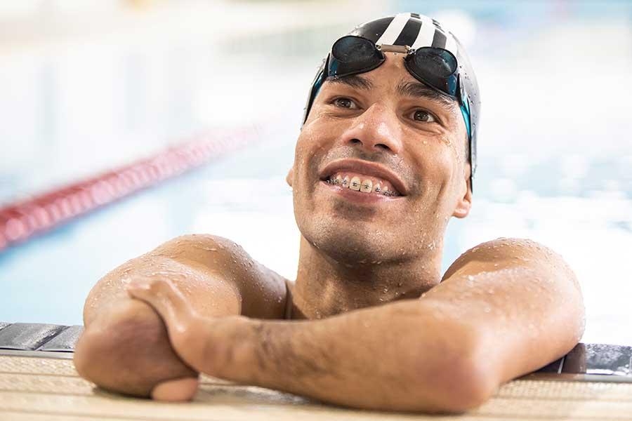 パラリンピックで計24個のメダルを獲得した最強スイマー、ダニエル・ディアス【写真:本人提供】