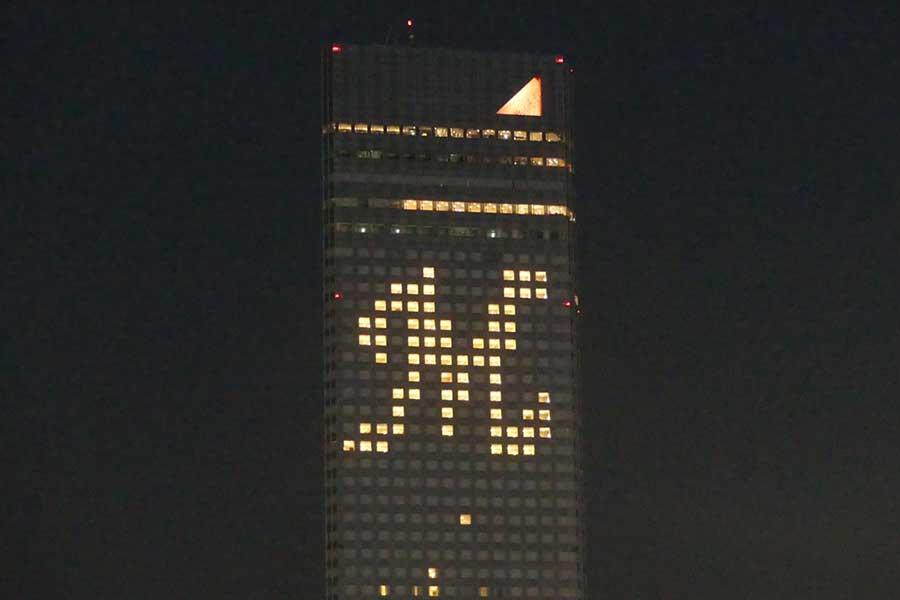 4日にアパホテル&リゾート東京ベイ幕張セントラルタワーで点灯する「M」ロゴ【写真:球団提供】