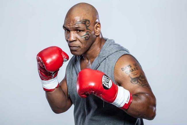 タイソン マイク タイソンKO負け、1人の孤独なボクサーの姿露わに