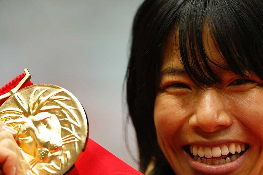 日本選手権、女子1万メートルで優勝を飾った新谷仁美【写真:奥井隆史】