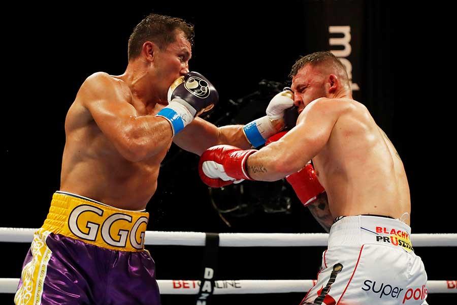 7回終了TKO勝ちで、通算21度目のタイトル防衛を達成したゲンナジー・ゴロフキン【写真:Getty Images】