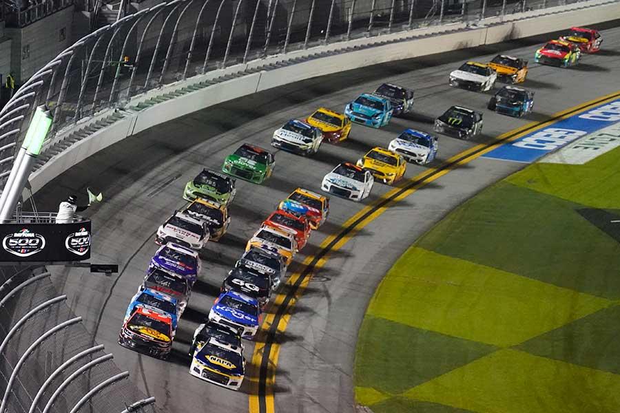 自動車レース「ナスカー」で16台が巻き込まれるクラッシュが発生した(画像はイメージです)【写真:AP】