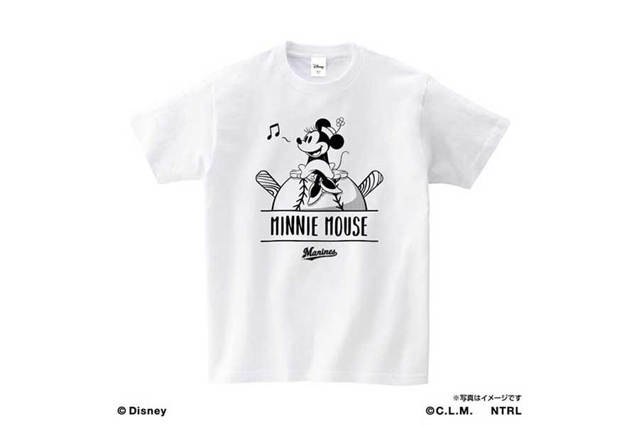 ロッテが発売するミニーマウスTシャツ【写真:球団提供】