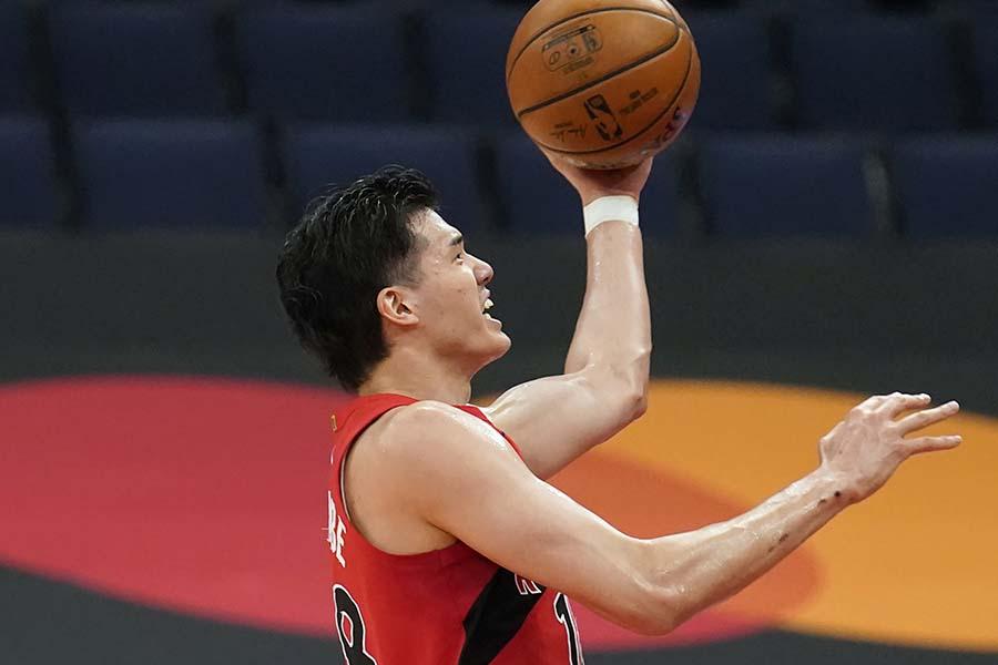自己最多21得点を記録した渡邊雄太【写真:AP】