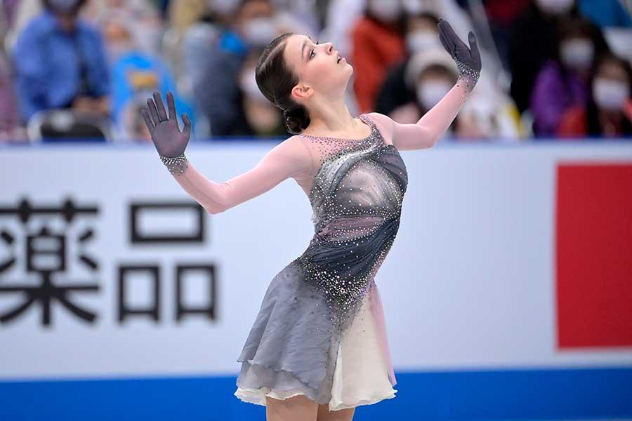 世界国別対抗戦、女子シングルで出場したアンナ・シェルバコワ【写真:Getty Images】