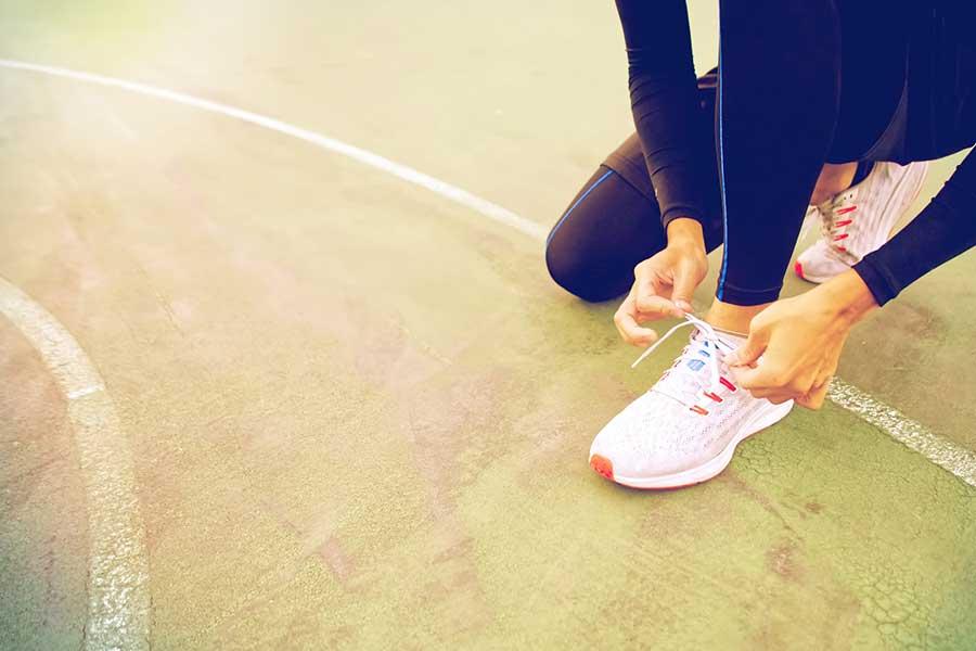 今回のテーマは「運動が苦手な人ほど、大人になるとランニングにハマる理由」
