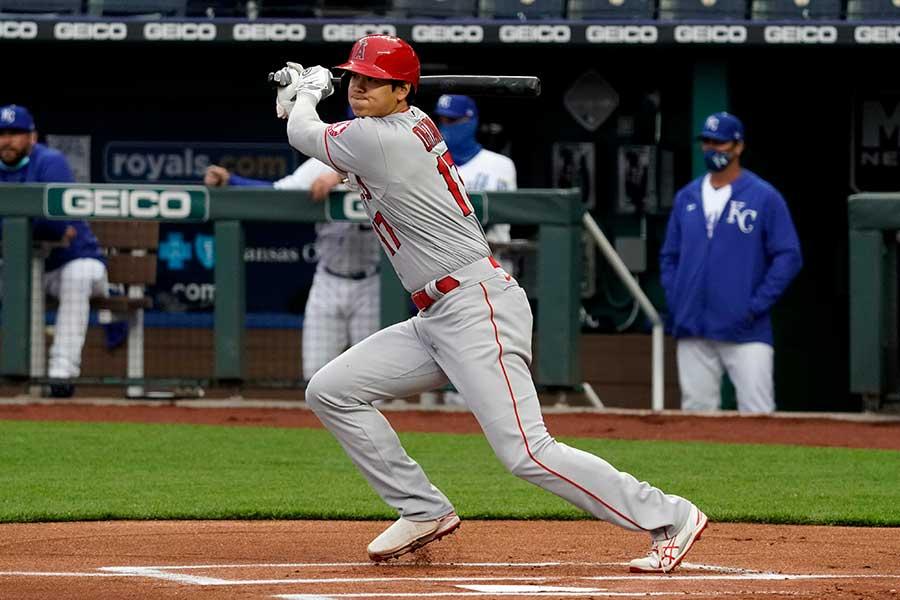 左前打を放つエンゼルスの大谷翔平【写真:Getty Images】