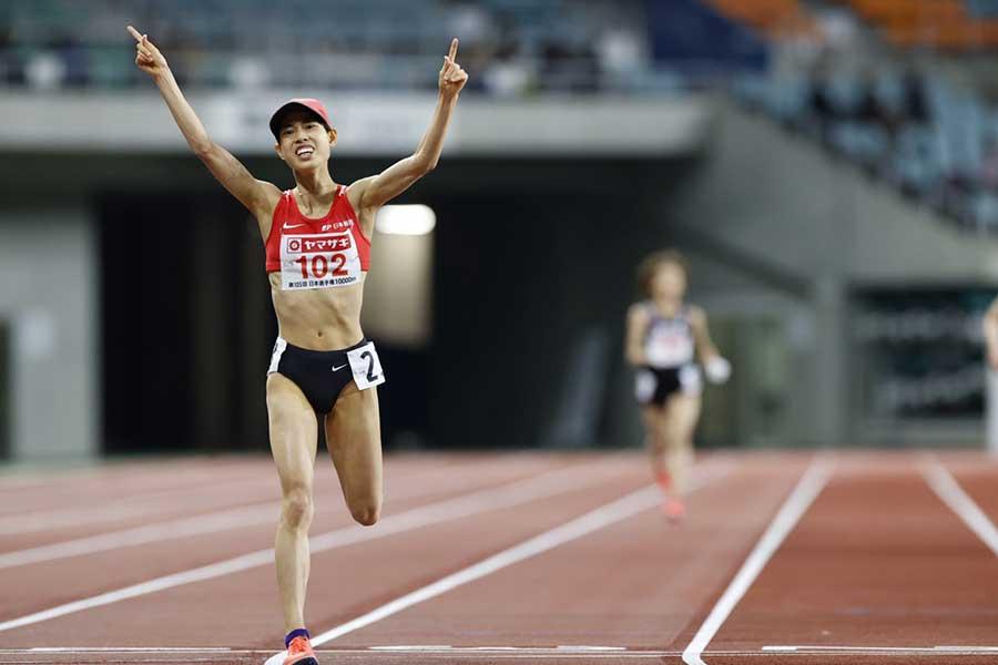 日本選手権女子1万メートルで優勝した廣中璃梨佳【写真:奥井隆史】