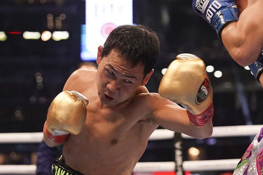 WBO世界ライトフライ級タイトルマッチでTKO負けした高山勝成【写真:AP】