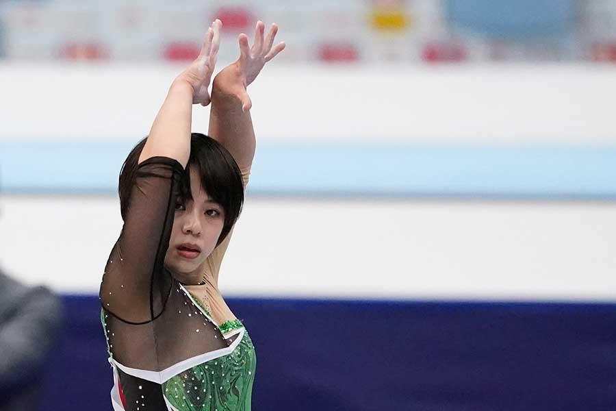 体操のNHK杯で3年ぶり3回目の優勝を飾った村上茉愛【写真:Getty Images】