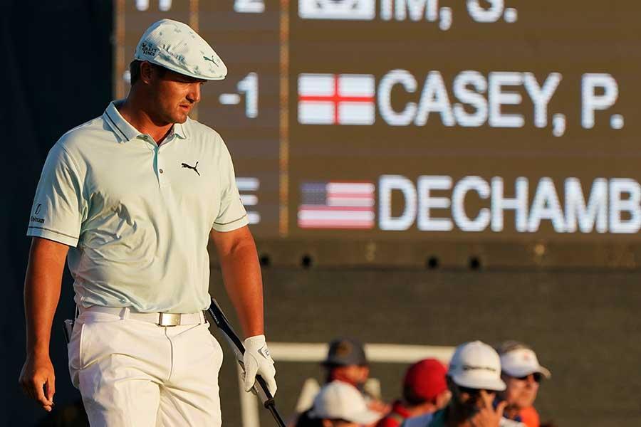全米プロゴルフ選手権、通算1アンダーで12位に浮上したブライソン・デシャンボー【写真:AP】