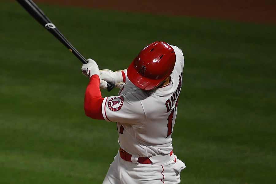 第5打席で二塁打を放った大谷翔平【写真:Getty Images】