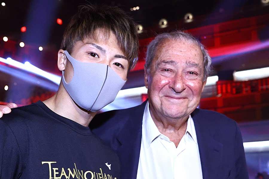 井上尚弥とトップランク社のボブ・アラムCEO【写真:Getty Images】