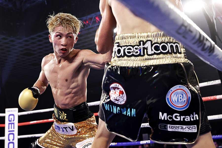 20年11月、井上尚弥(左)はジェイソン・マロニーにKO勝ちした【写真:Getty Images】