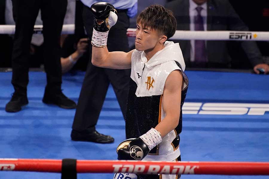 マイケル・ダスマリナスを3回TKOで破り、2つのタイトル防衛に成功した井上尚弥【写真:AP】