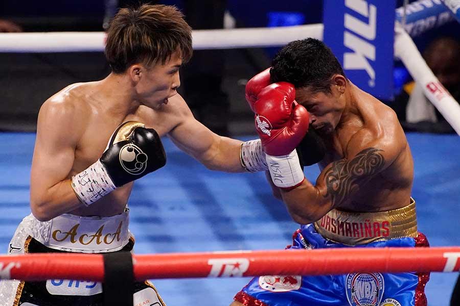 WBAスーパー&IBF世界バンタム級タイトルマッチ、井上尚弥(左)はマイケル・ダスマリナスに3回TKO勝ちした【写真:AP】
