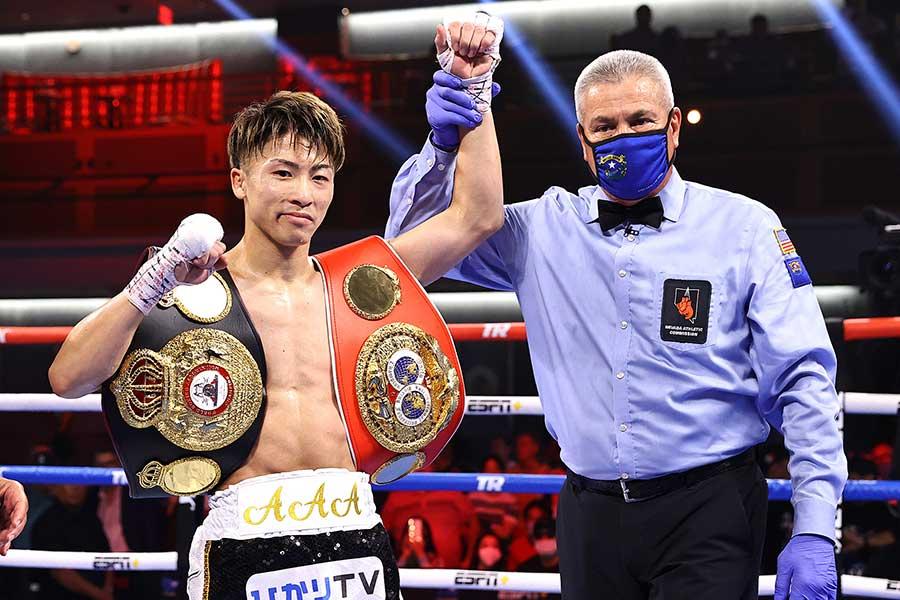 WBAスーパー&IBF世界バンタム級タイトルマッチ、井上尚弥はマイケル・ダスマリナスに3回TKO勝ちした【写真:Mikey Williams/Top Rank via Getty Images】